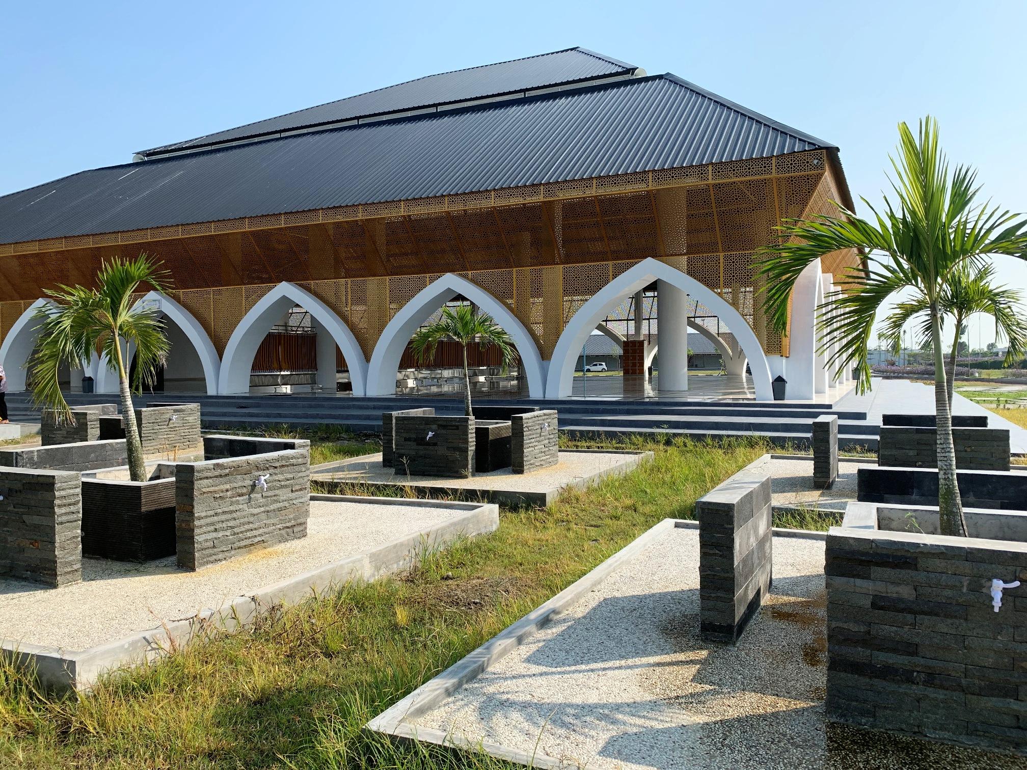 Mesjid Al-Azhar Asy-Syarif Sumatera Utara